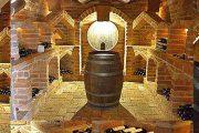 Blick in den Weinkeller aus verschiedenen Perspektiven
